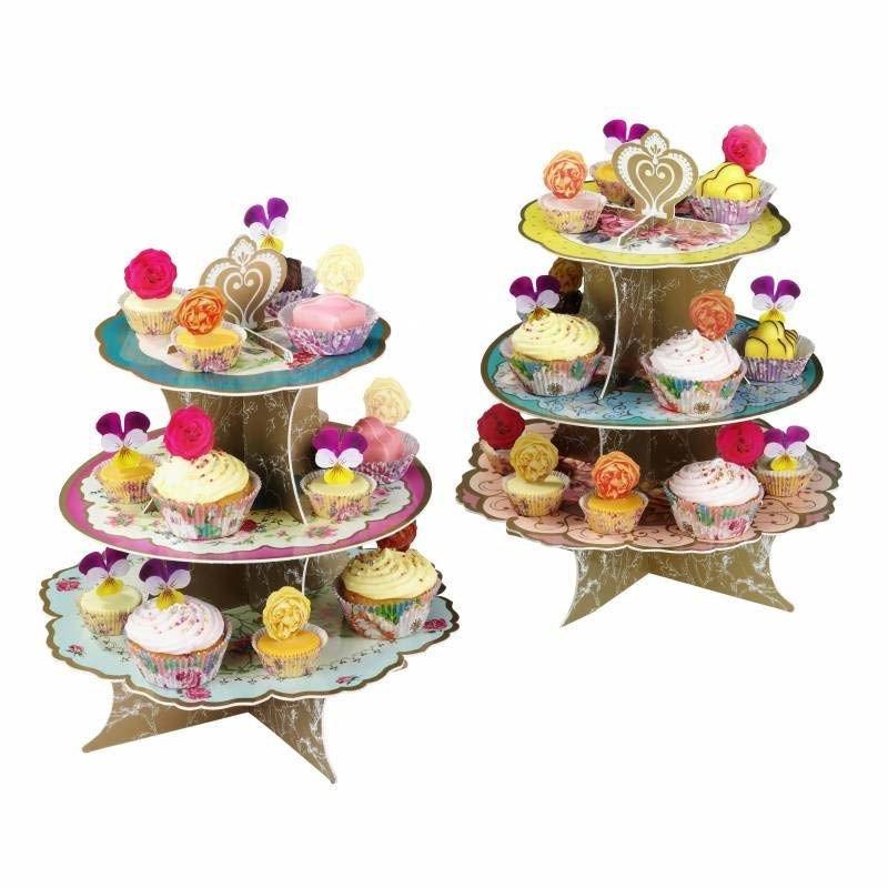 Support cupcake 3 étages avec des cupcake dessus
