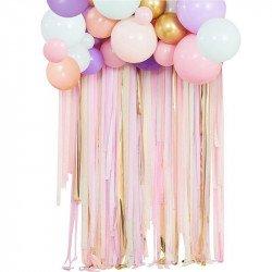 Arche de ballons pastel et rideau de rubans