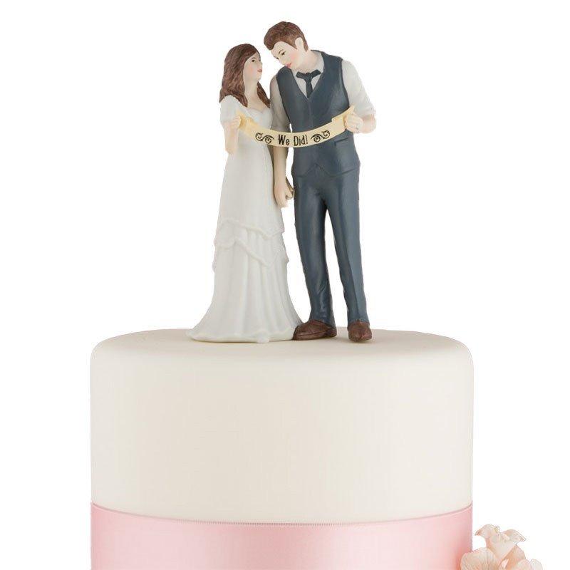Figurine mariés tenant la bannière