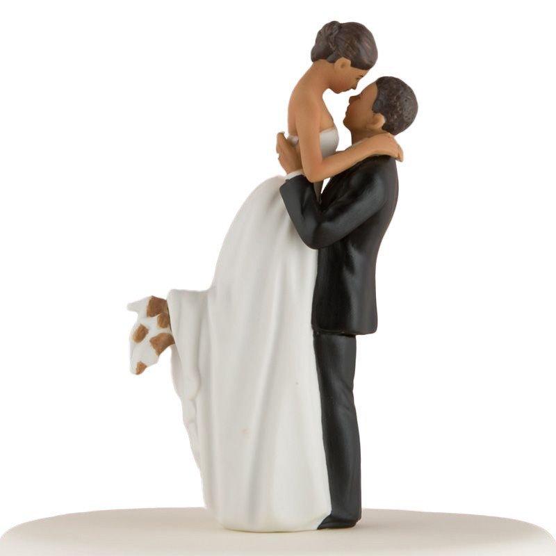 Figurine couple romance peau mate